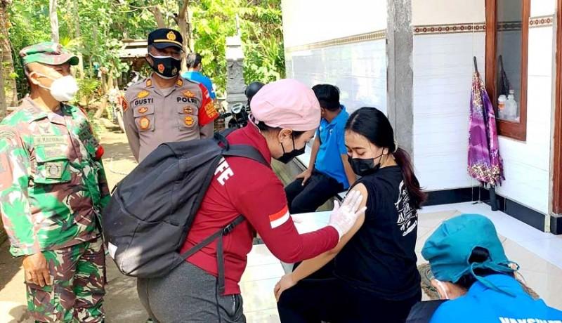 www.nusabali.com-vaksinasi-door-to-door-sasar-bumil-di-baluk
