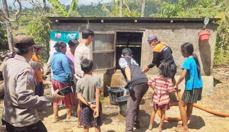 www.nusabali.com-bpbd-distribusikan-50000-liter-air-di-dua-desa