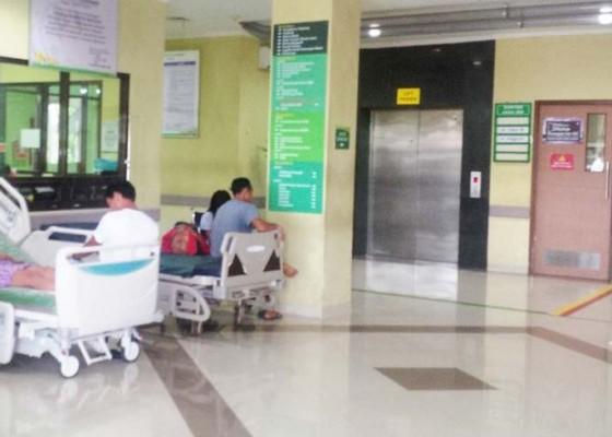 Nusabali.com - pasien-rsud-mangusada-membeludak
