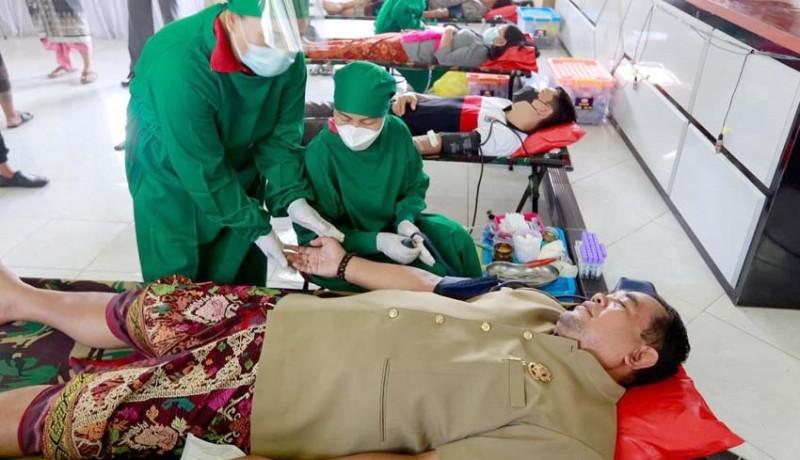 www.nusabali.com-disdukcapil-klungkung-gelar-donor-darah