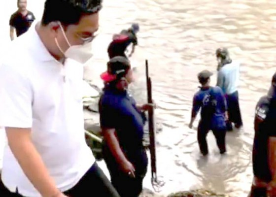 Nusabali.com - wawali-pimpin-susur-sungai-bersihkan-tukad-ayung