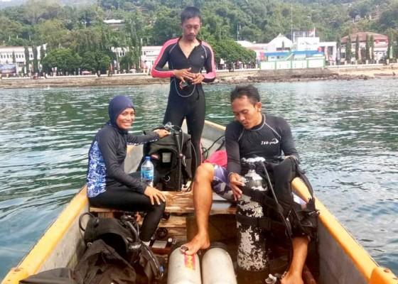 Nusabali.com - tiga-atlet-bali-selami-laut-papua