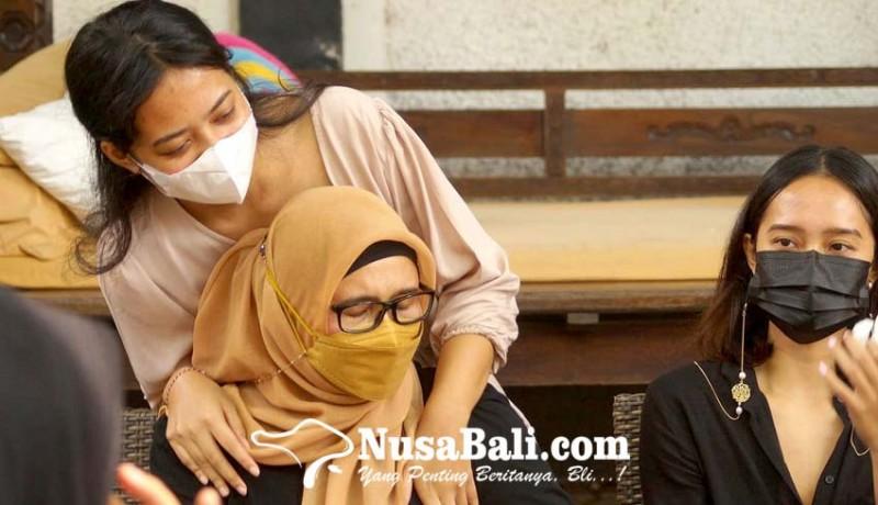 www.nusabali.com-ajukan-penangguhan-penahanan-istri-zainal-tayeb-siap-jadi-penjamin