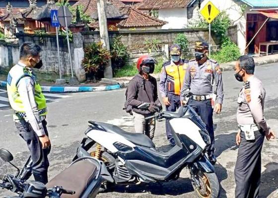 Nusabali.com - petugas-gabungan-tertibkan-puluhan-pelanggar-rambu-lalu-lintas