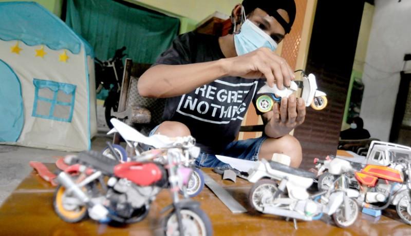www.nusabali.com-kerajinan-miniatur-berbahan-dasar-paralon-bekas