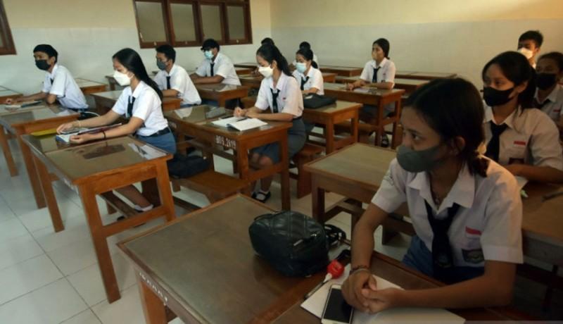 www.nusabali.com-ratusan-siswa-smk-pgri-3-denpasar-ikuti-pembelajaran-tatap-muka