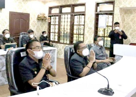 Nusabali.com - apbd-perubahan-2021-disetujui-target-pad-tetap-naik-rp-408-miliar