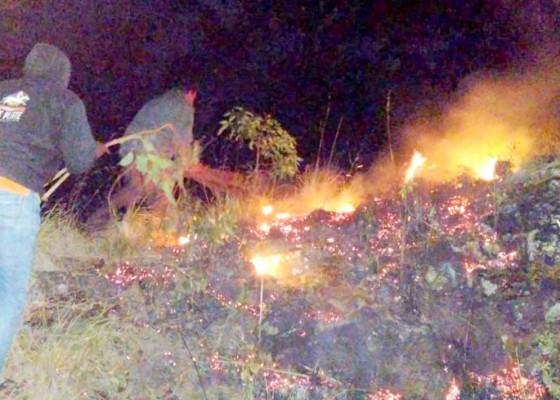 Nusabali.com - lahan-di-seked-kembali-terbakar