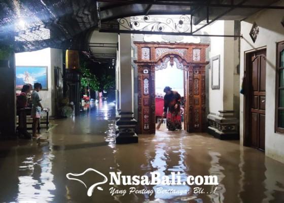 Nusabali.com - jembrana-dikepung-banjir-puluhan-rumah-tenggelam