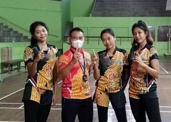 Nusabali.com - tiga-cabor-berangkat-ke-papua
