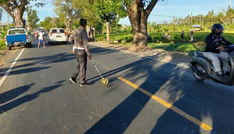www.nusabali.com-jalan-berlubang-makan-korban-pemotor-tewas-ditabrak-truk