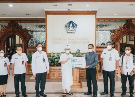 Nusabali.com - badung-terima-bantuan-tabung-oksigen