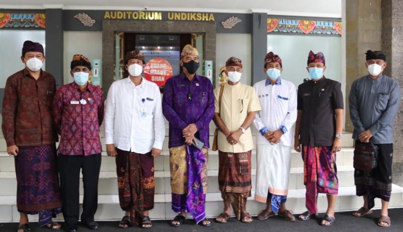 www.nusabali.com-sekda-buleleng-tinjau-skd-cpns-2021-di-undiksha