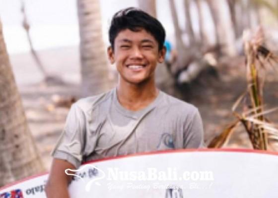 Nusabali.com - ryuki-waida-raih-dua-medali-emas-selancar-ombak-pon-xx-di-papua