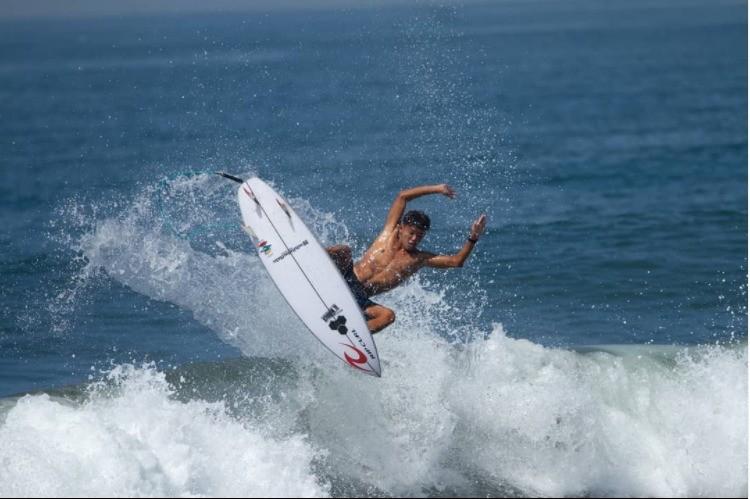 www.nusabali.com-ryuki-waida-wins-two-golds-in-surfing-for-bali-pon-xx-papua