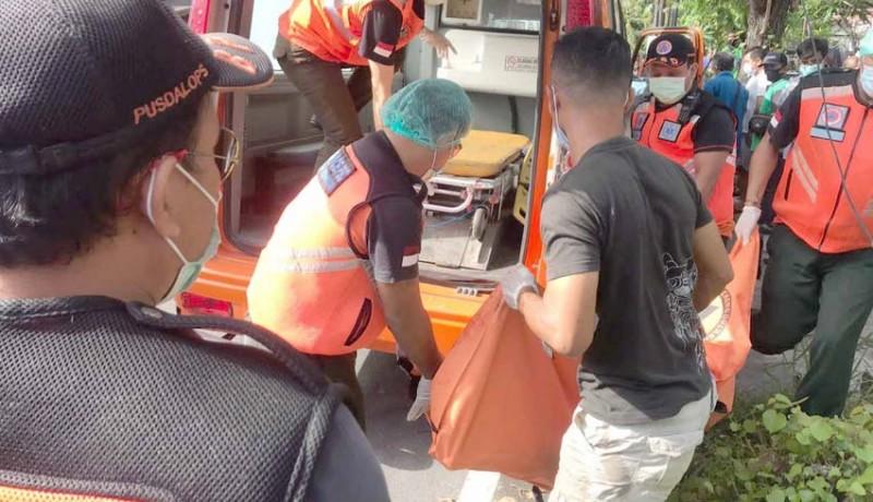 www.nusabali.com-tabrak-mobil-parkir-mr-x-hanyut-lalu-tewas