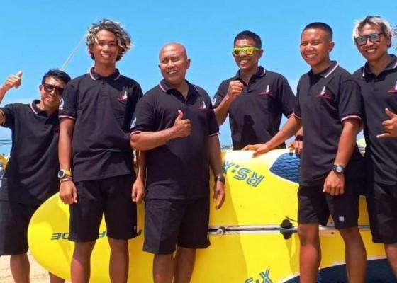 Nusabali.com - pelajari-kondisi-pantai-hamadi-selancar-angin-berangkat-awal