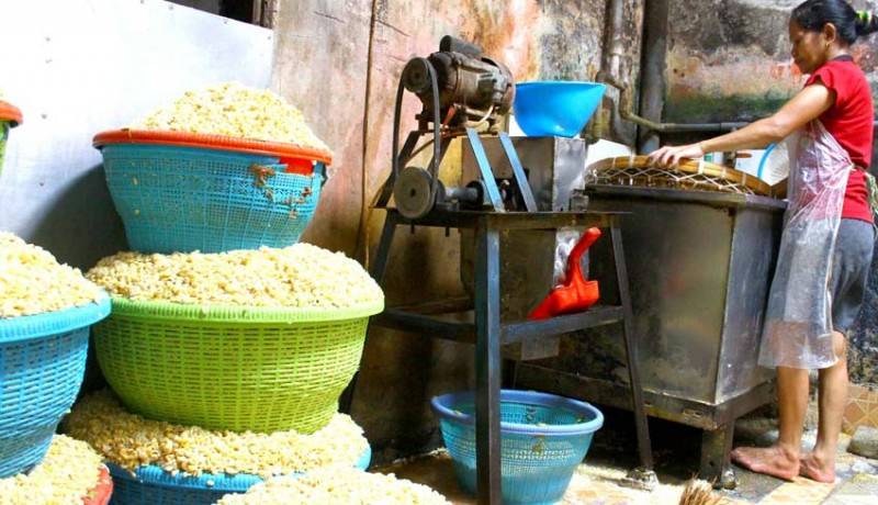 www.nusabali.com-dampak-fluktuasi-harga-kedelai
