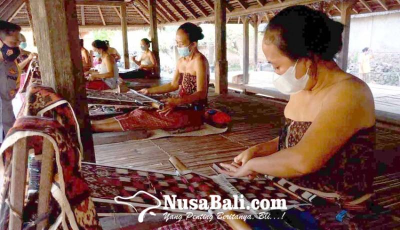 www.nusabali.com-petenun-desa-tenganan-pagringsingan-siap-penuhi-pesanan-menparekraf