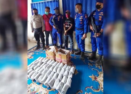 Nusabali.com - selundupkan-48-kilogram-bahan-peledak-penumpang-ditangkap-di-celukan-bawang