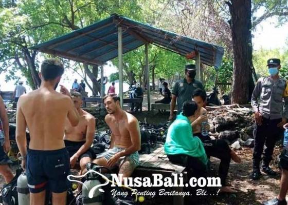 Nusabali.com - wisman-mulai-ramai-diving-di-pantai-liberty