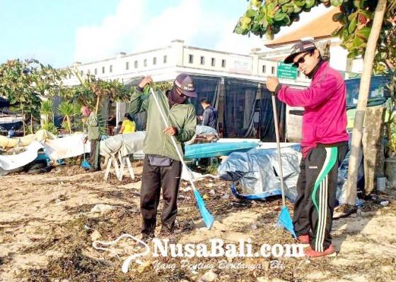 Nusabali.com - tiap-hari-dinas-lhk-bersihkan-3-ton-sampah