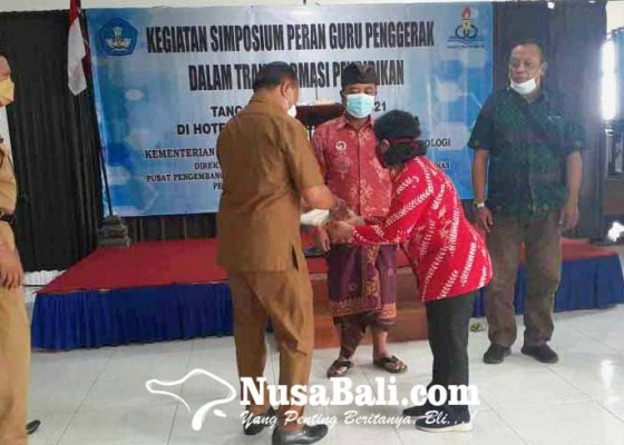 Nusabali.com - kadisdikpora-karangasem-kukuhkan-38-guru-penggerak