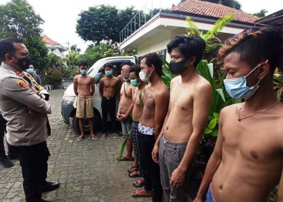 Nusabali.com - tersinggung-2-kelompok-pemuda-terlibat-perkelahian