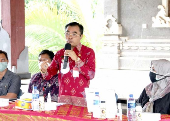 Nusabali.com - petani-tabanan-dilatih-cara-menutrisi-tanaman-padi