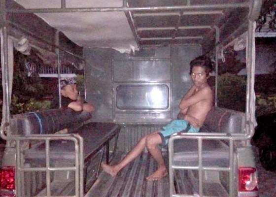 Nusabali.com - diduga-linglung-seorang-pria-diamankan