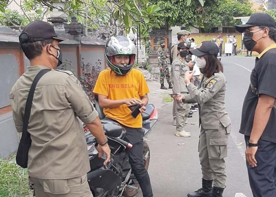 Nusabali.com - menuju-denpasar-zona-hijau-tim-yustisi-gencarkan-razia