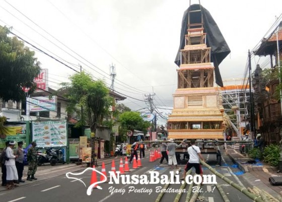Nusabali.com - jelang-palebon-ida-pedanda-gede-dwija-ngenjung-arus-lalin-kawasan-sanur-kaja-dialihkan