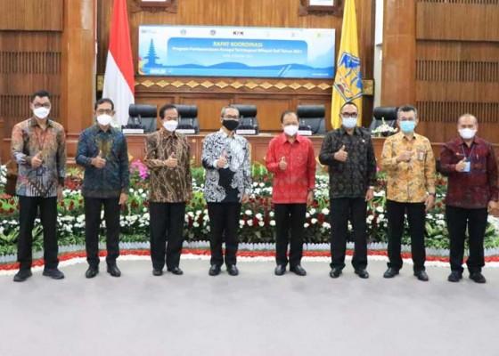 Nusabali.com - kpk-minta-komitmen-kepala-daerah-berantas-korupsi