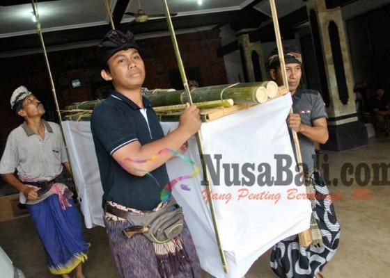Nusabali.com - biaya-ditanggung-banjar-berlaku-sama-bagi-semua-soroh-dan-kasta