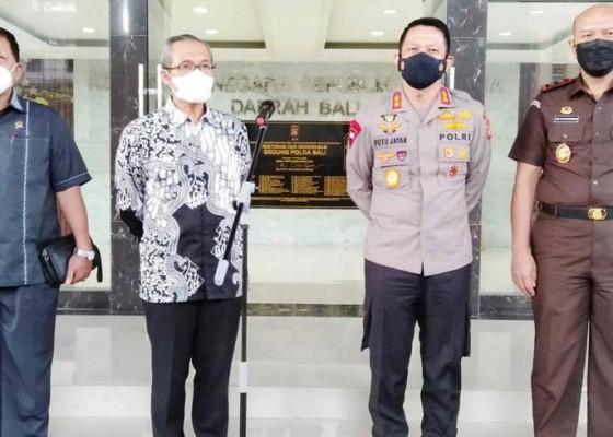 Nusabali.com - kpk-temui-kapolda-kajati-dan-hakim-tinggi-pt-denpasar