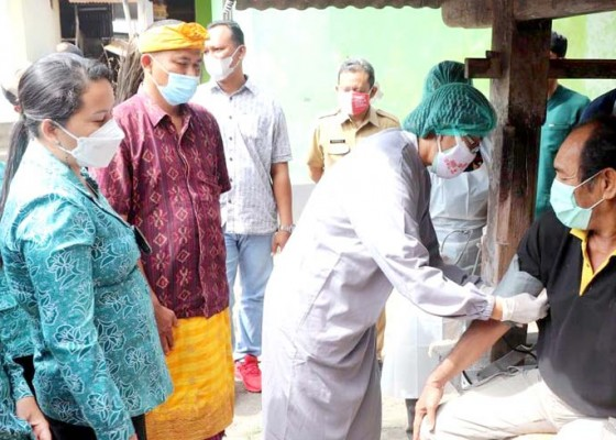 Nusabali.com - penyandang-disabilitas-dan-odgj-di-kutsel-disuntik-vaksin