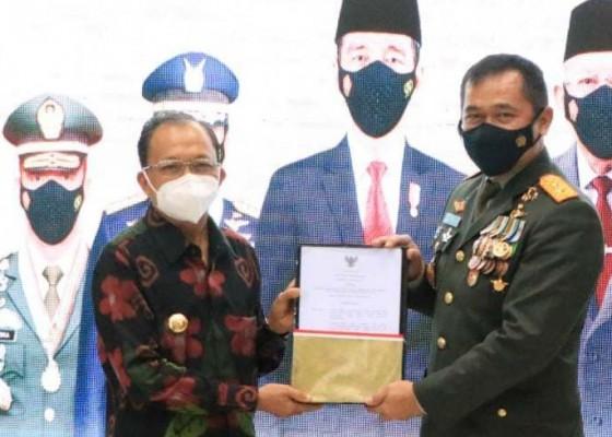Nusabali.com - gubernur-koster-hibahkan-17-hektare-tanah