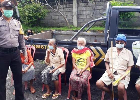 Nusabali.com - vaksinasi-polisi-jemput-lansia