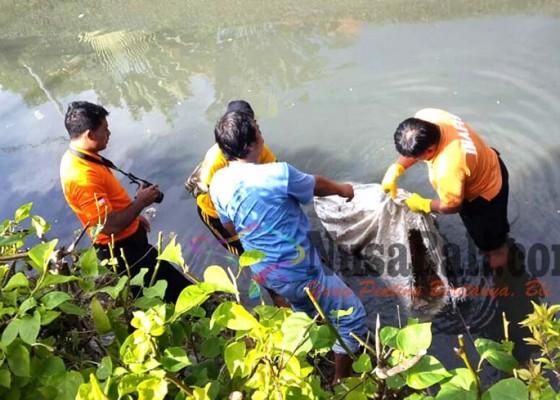 Nusabali.com - jenazah-dibungkus-karung-ditemukan-di-tukad