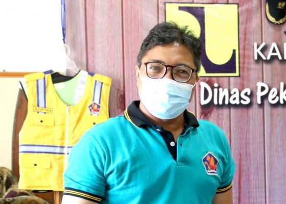 Nusabali.com - 100-petugas-drainase-disiagakan-antisipasi-banjir