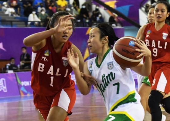 Nusabali.com - dikalahkan-jatim-tim-basket-putri-bawa-pulang-medali-perak-pon-papua