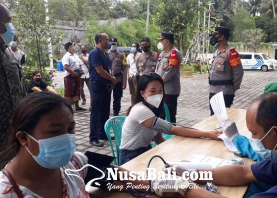 Nusabali.com - polsek-ubud-gandeng-klinik-kenak-medika-sinergi-vaksinasi