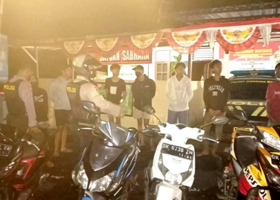 Nusabali.com - cegah-trek-trekan-polisi-amankan-10-pemuda-dan-6-motor