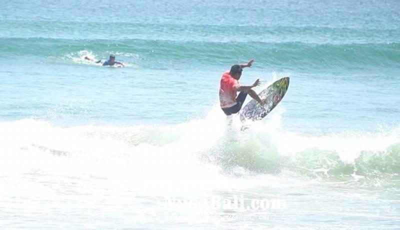 www.nusabali.com-halfway-kuta-boardriders-wadahi-potensi-surfer-kuta