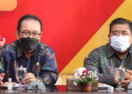 Nusabali.com - jelang-open-border-wagub-cok-ace-kampanyekan-prokes