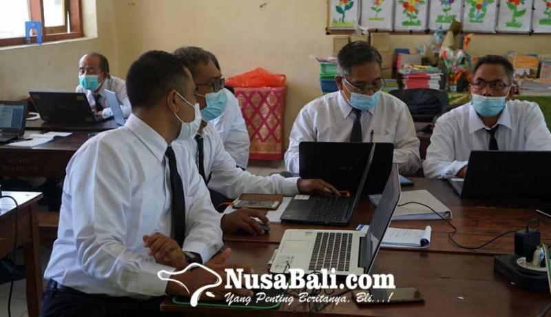 www.nusabali.com-72-guru-ikut-diklat-calon-kasek
