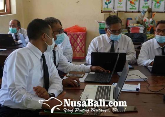 Nusabali.com - 72-guru-ikut-diklat-calon-kasek