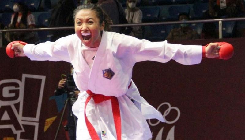 www.nusabali.com-cok-istri-agung-kembali-jawara-karate-sabet-2-medali-emas-untuk-bali