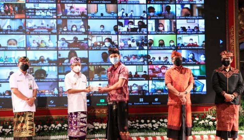 www.nusabali.com-koster-gelontor-rp-15-m-bagi-siswa-berprestasi