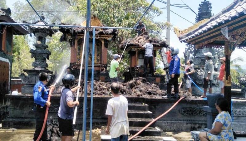 www.nusabali.com-palinggih-pura-dalem-rangdu-terbakar